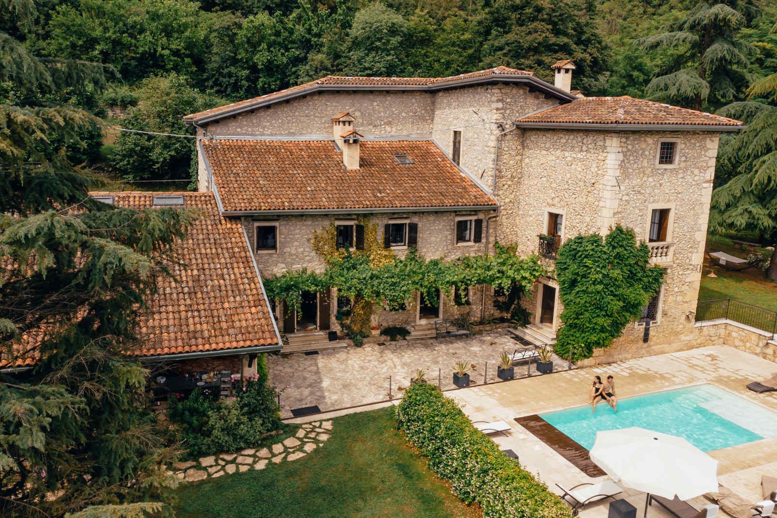 Rustico Ferienhaus mit Ferienwohnungen Italien